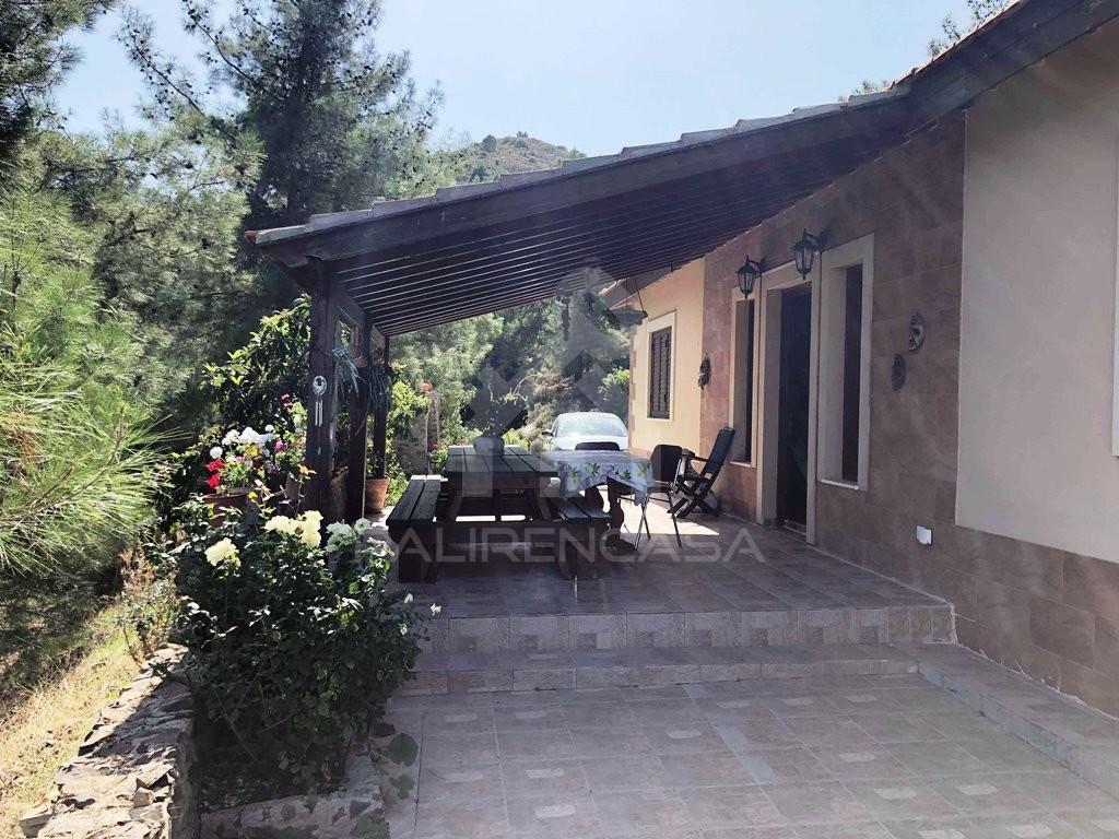 For Sale 4-Bedroom Detached House in Fikardou