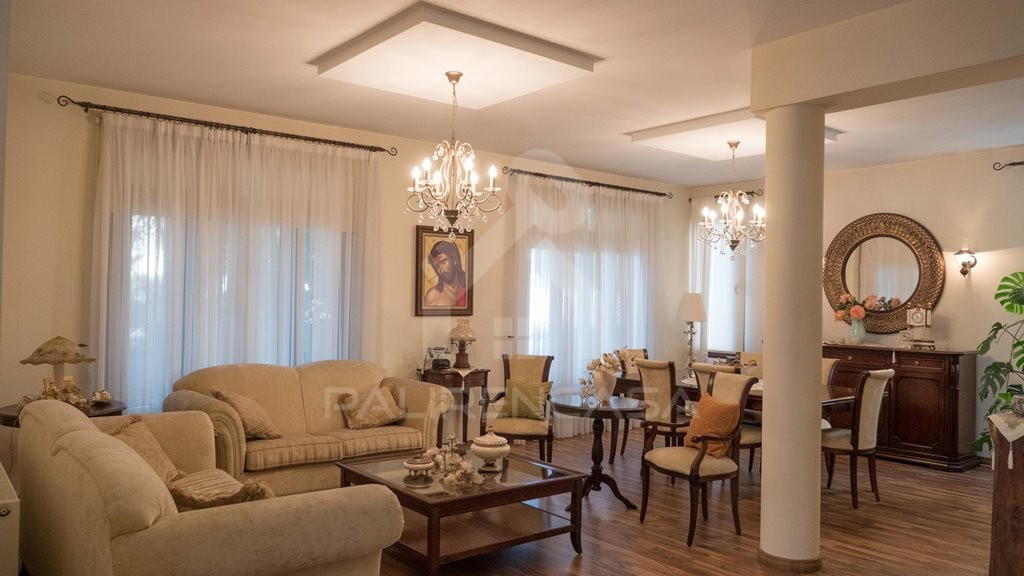 4-Bedroom Detached House in Archangelos