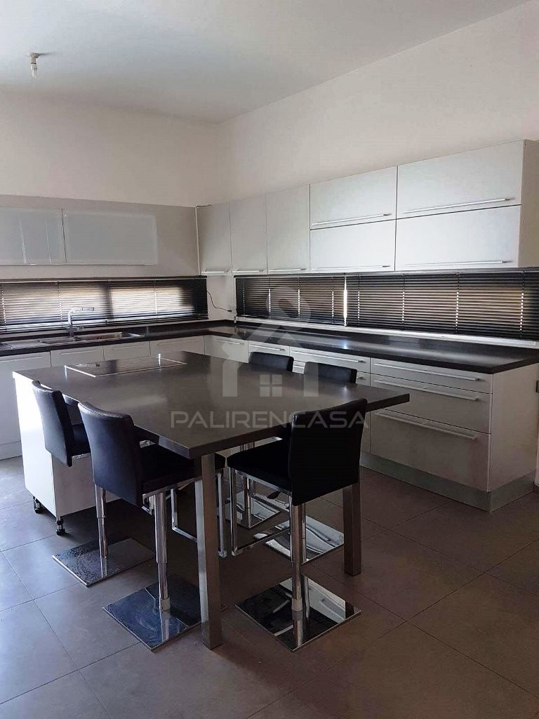 5-Bedroom Modern Detached House in Paliometocho