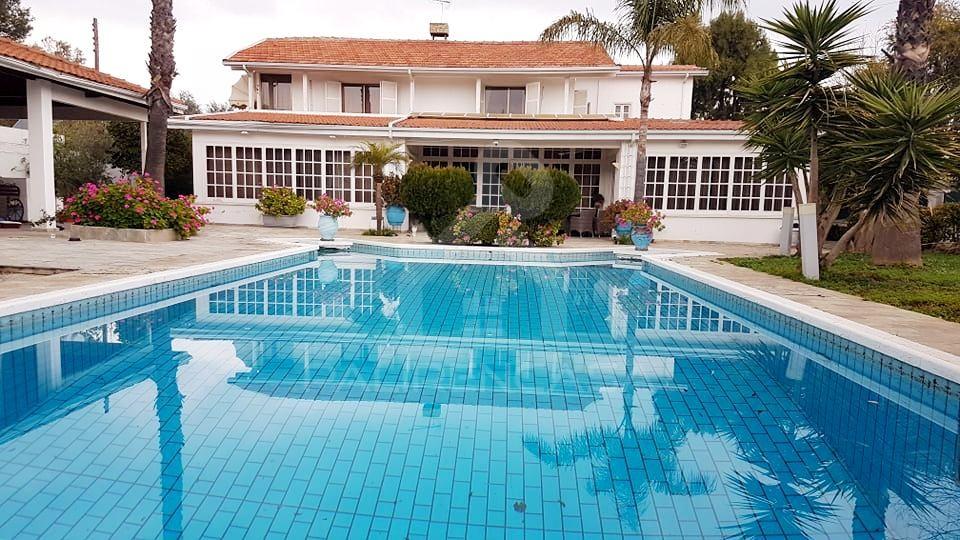 5-Bedroom Villa plus 2-Bedroom quest House in Agios Andreas