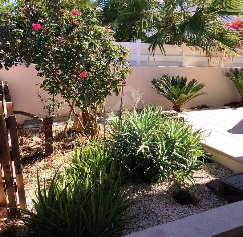 3-Bedroom +Attic Detached House in Dali