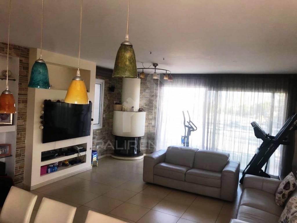 3-Bedroom Whole Floor Apartment in Platy Aglantzias