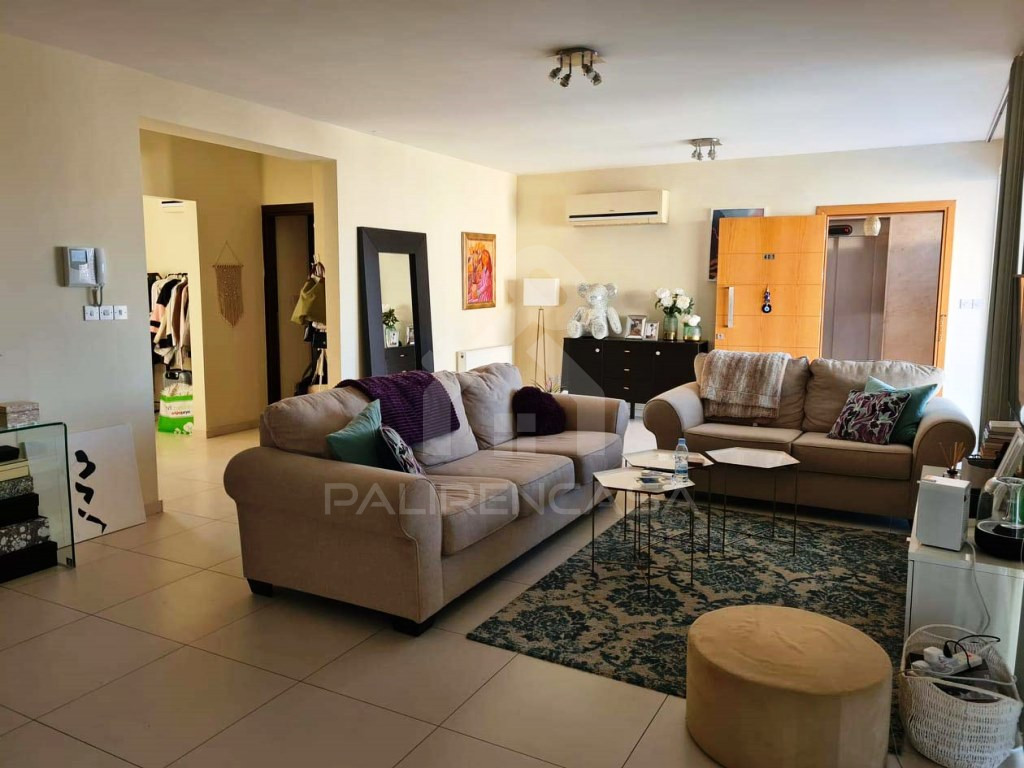 2-Bedroom Whole Floor Apartment in Lykavittos