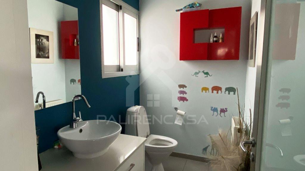 guest toilet 2