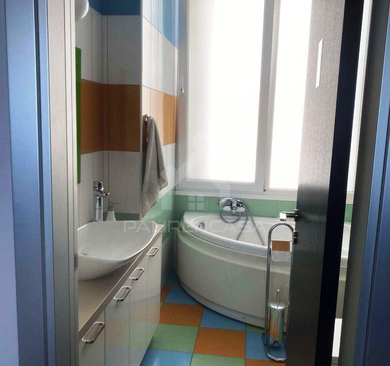 kids bathroom 1