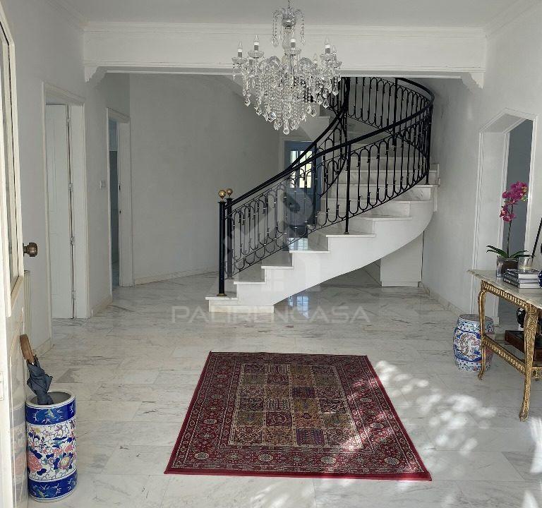 12 House Entrance