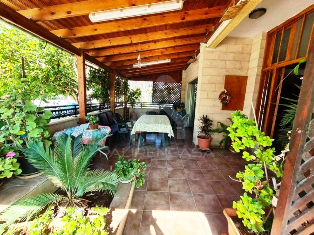 6-Bedroom Semi-Detached Property in Agios Dometios