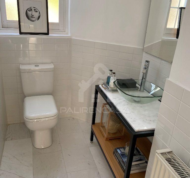 33 Guest Toilet