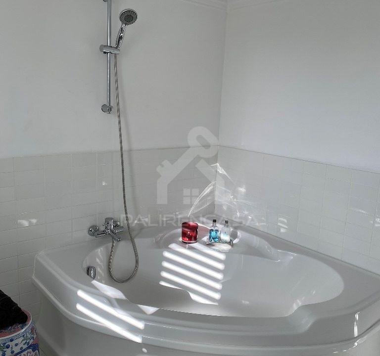 62 Main Bathroom