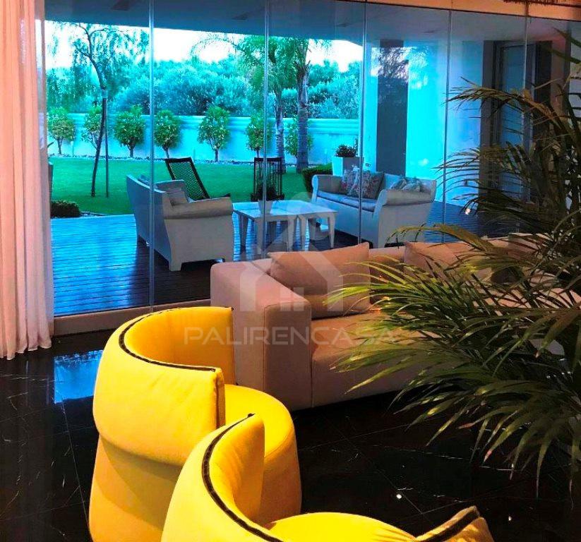 4-Bedroom Villa in Arediou
