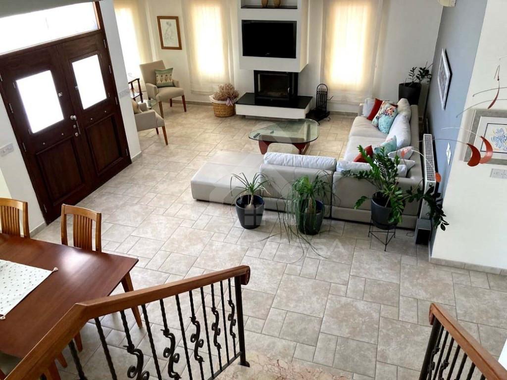 5-Bedroom Villa in Aglantzia