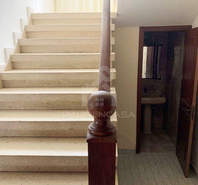 Lakatamia_house_24_staircase